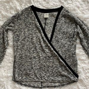 ABERCROMBIE AND FITCH SWEATER Size S
